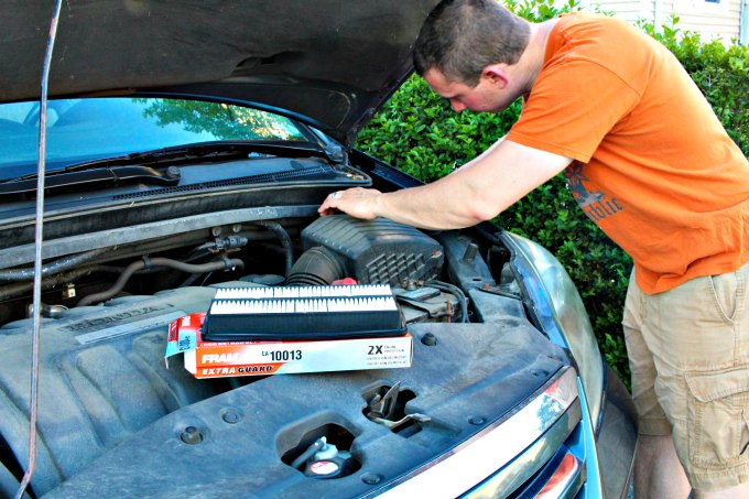 installing air filter in car